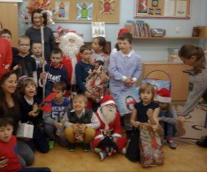 Wizyta Świętego Mikołaja w klasach młodszych